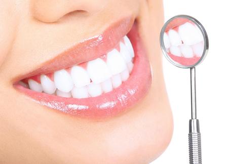Фото: отбеливание зубов перекисью водорода