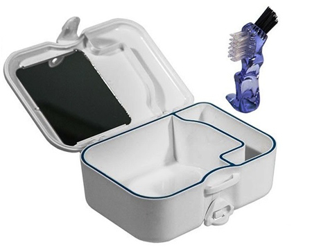 Фото: контейнер для зубных протезов