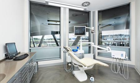 Фото: лечение зубов по полису омс в частной клинике