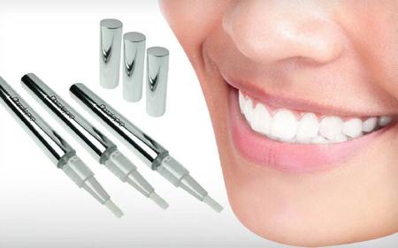 Фото: карандаш для отбеливания зубов