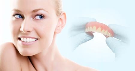 Фото: зубные протезы