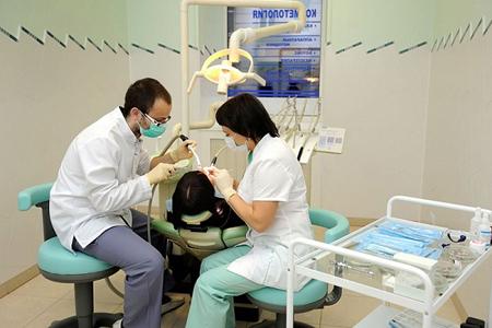 Фото: бесплатное лечение зубов по полису омс
