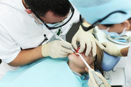 Фото: лечение зубов лазером