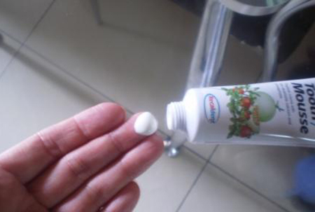Фото: реминерализующий гель для зубов GC Tooth Mousse