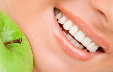 Фото: белая диета после отбеливания зубов