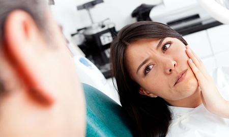 Фото: болит зуб при надкусывании