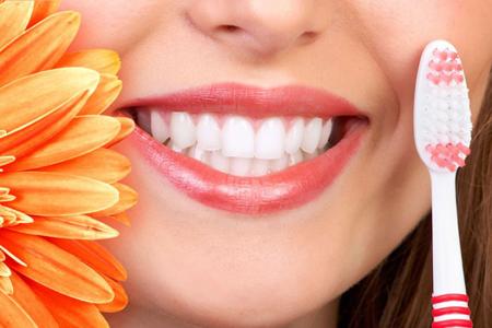 Фото: что делать, если зубы ноют