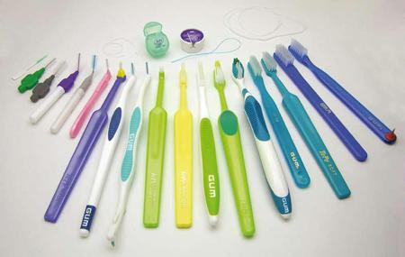 Фото: инструменты для чистки брекетов