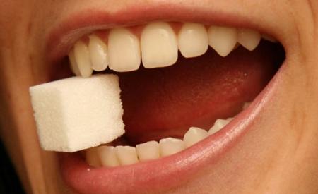 Фото: болят зубы от сладкого