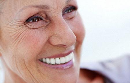 Фото: несъемные зубные протезы на всю челюсть