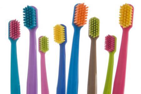 Фото: зубные щетки Curaprox